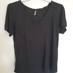 Plain Black Lady's T-shirt (Large)