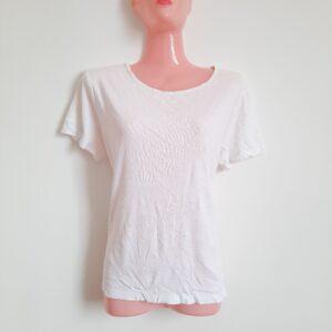Simple Stylish White Lady's T-shirt (Large)