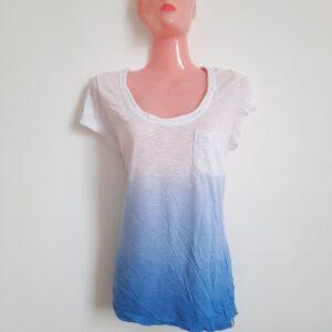 Modern White & Blue Gradient Design T-shirt for Women (Large)