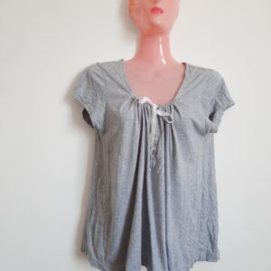 Grey Lady's T-shirt with Nice Lace and Buttons (Extra Large)