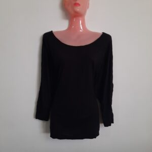 Black Long Sleeve Lady's Top (Medium)